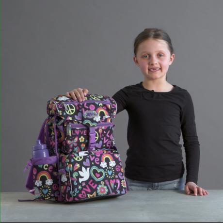 Emilja is showing interior design and functionality in JEVA BEGINNERS schoolbag