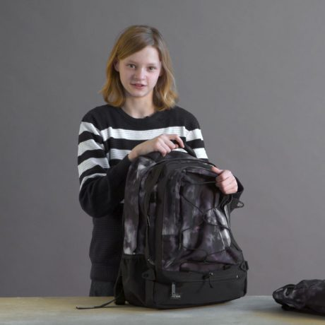 Watch Lukas review a JEVA SUPREME backpack for older kids and teens