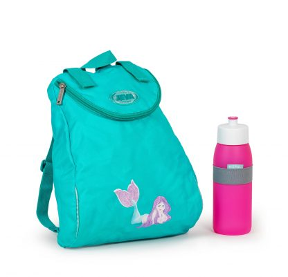 gymbag and drinking bottle